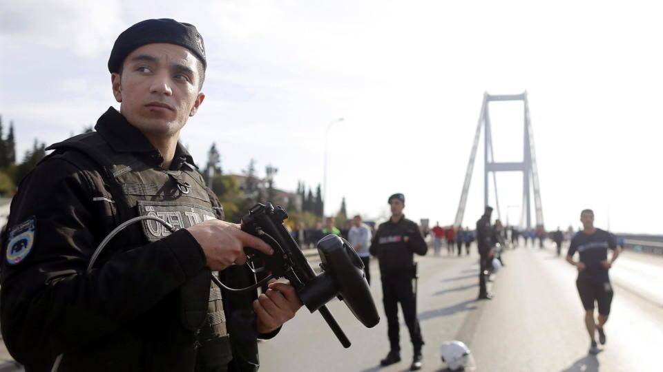 In Istanbul wurden acht Terrorverdächtige festgenommen, die offenbar nach Deutschland wollten.