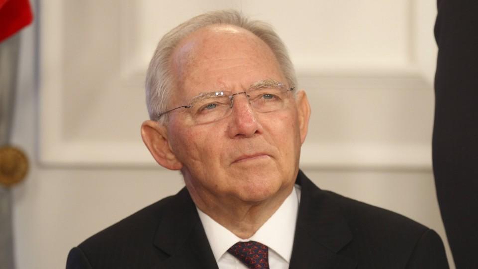Schäuble erwirtschaftet 2015 Milliarden-Überschuss