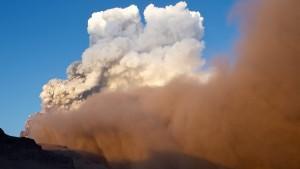 Die Asche des Eyjafjallajökull hatte 2010 erhebliche Auswirkungen auf den Flugverkehr.