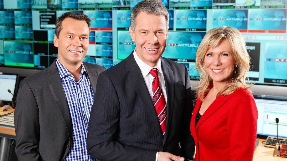 """Christian Häckl (l.), Peter Kloeppel und Ulrike von der Groeben sind die Gesichter von """"RTL Aktuell""""."""