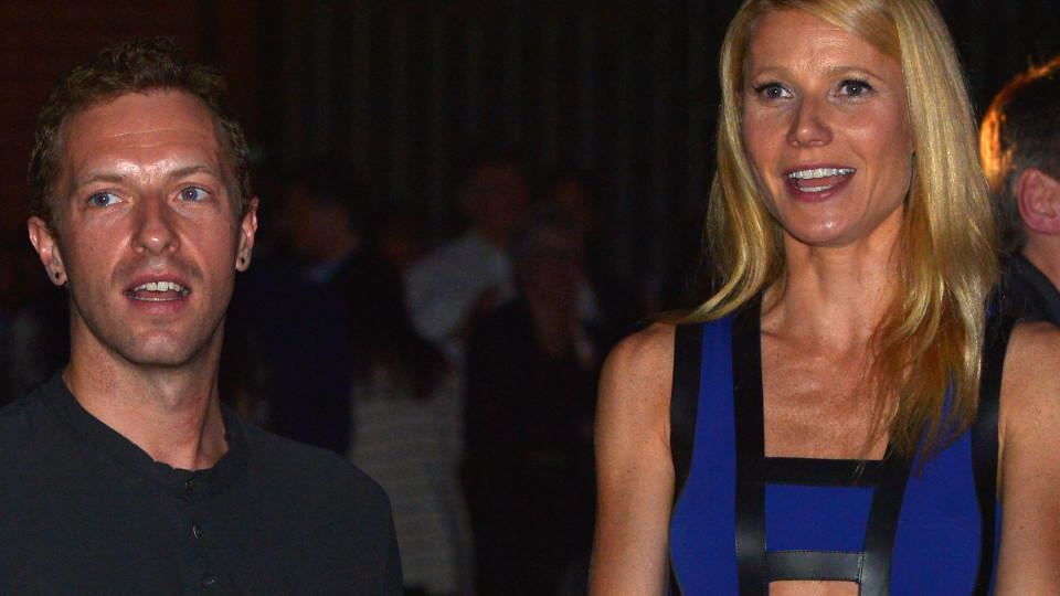 CULVER CITY, CA - JANUARY 28:  Singer/Songwriter Chris Martin (L) and actress Gwyneth Paltrow attend Hollywood Stands Up To Cancer Event with contributors American Cancer Society and Bristol Myers Squibb hosted by Jim Toth and Reese Witherspoon and t