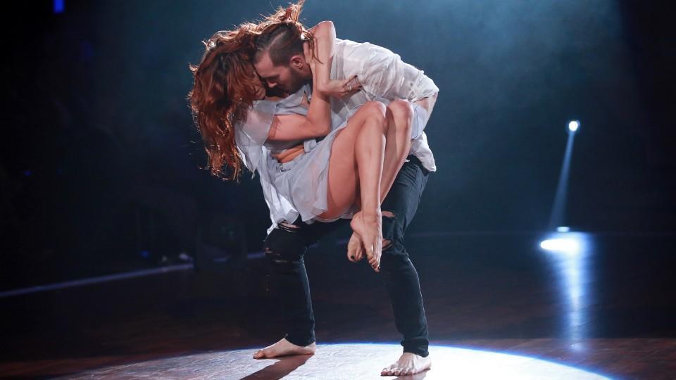 """Eric Stehfest und Oxana Nechiti bei """"Let's Dance"""" 2016."""