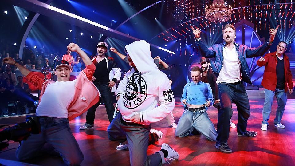 """Let's Dance 2016: Die Jungs tanzen beim Geschlechter-Battle zu """"Everybody"""" von den Backstreet Boys"""
