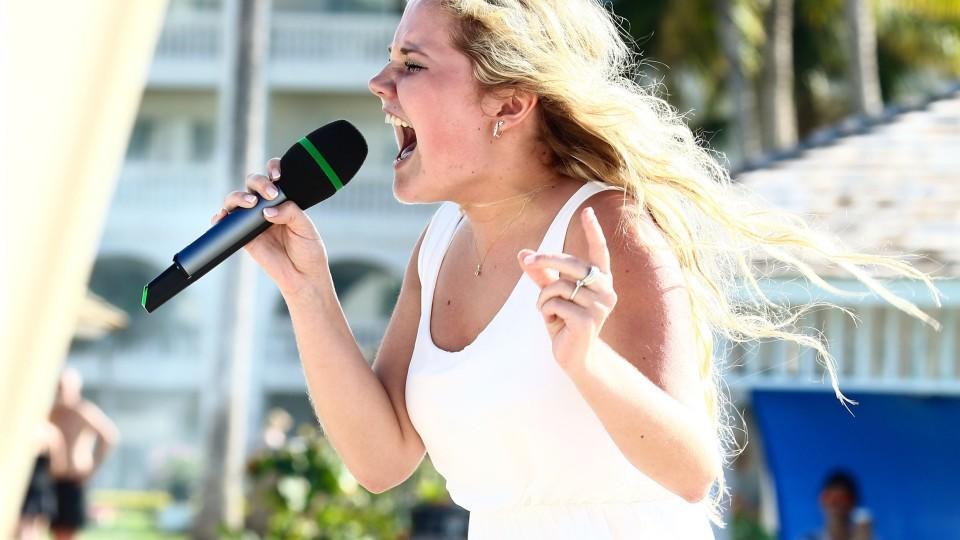 DSDS-Kandidatin Laura van den Elzen singt im Recall-Finale um ihr Leben und kämpft sich damit in die Top 10.