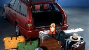 Koffer, Schuhe, Sportgeräte und Co. - im Nu ist das Maximalgewicht überschritten. Das kann fatale Folgen haben.