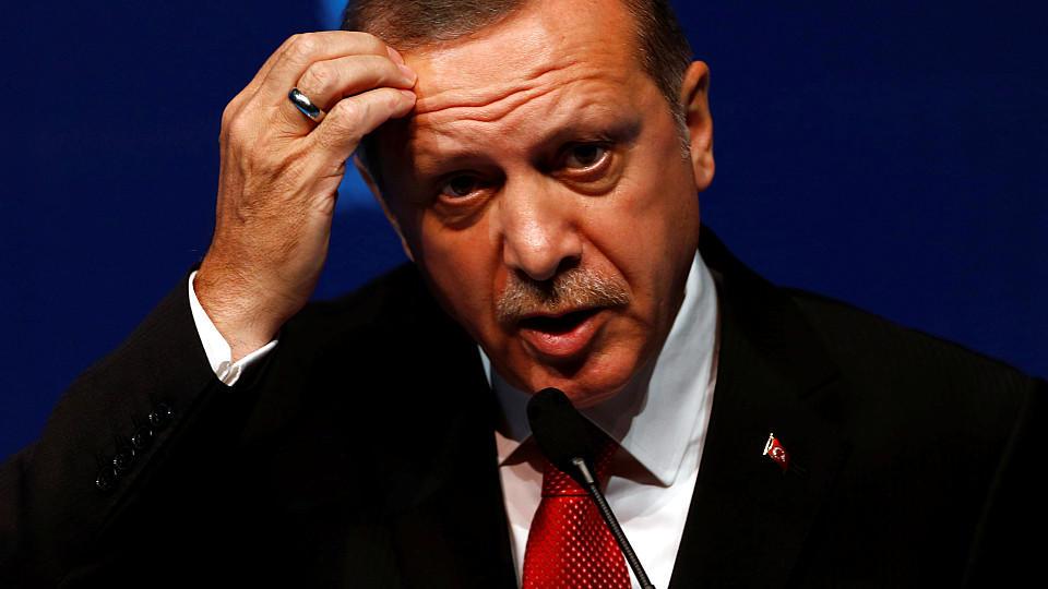 Bundestag erkennt den Völkermord des Osmanischen Reiches an Armeniern an.