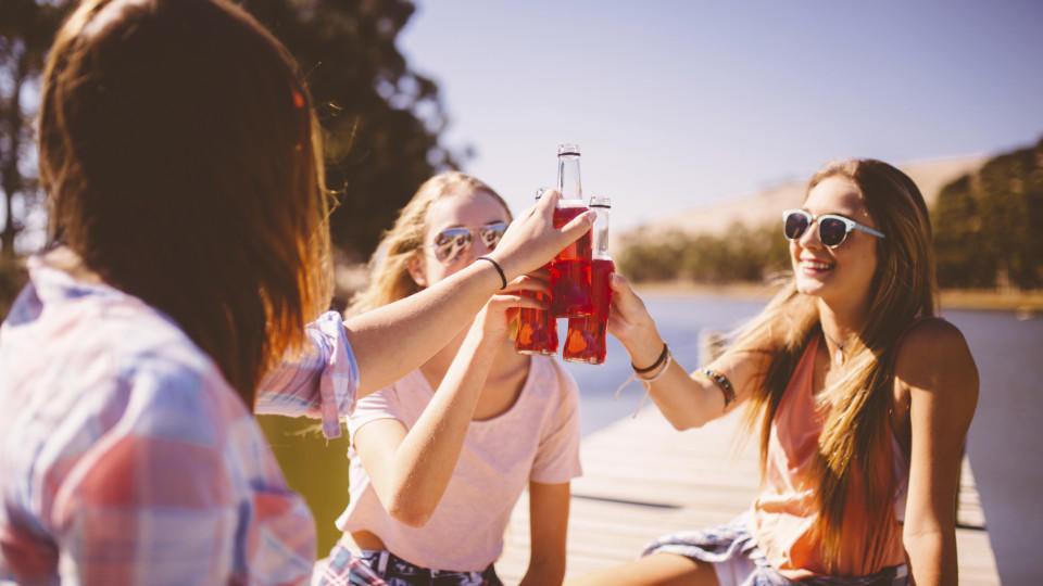 Fehler, die wir alle im Sommer bei großer Hitze machen: Alkohol trinken - gehört dazu.