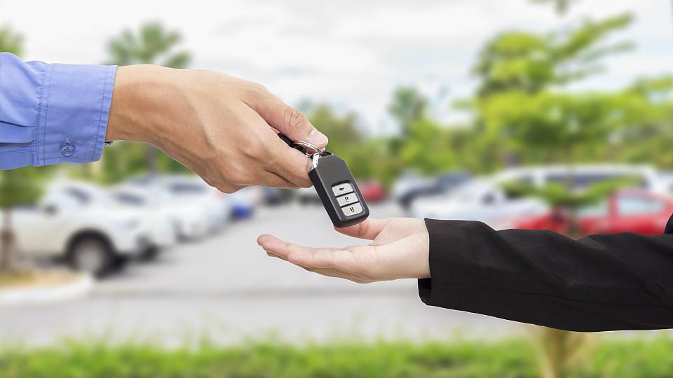 Fahrzeug unproblematisch abgeben und ab in den Urlaub? Valet-Parking sieht in der Realität ganz anders aus.
