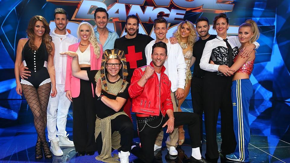 """Bei """"Dance Dance Dance"""" tanzen zwölf Stars in Duos gegeneinander."""