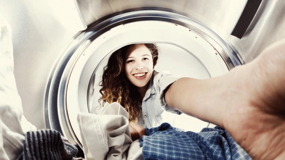Stoffe: So waschen und pflegen Sie Wolle, Polyester & Co.richtig