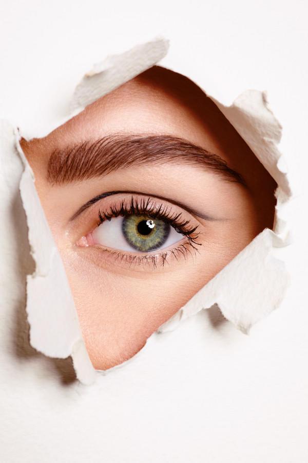 Augenbrauen hochziehen bei MännernBedeutung? (Liebe, Männer, Flirt)