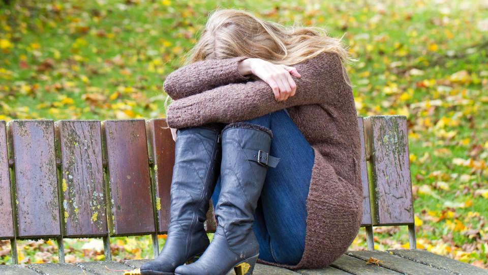 Liebeskummer kann sehr schmerzhaft sein