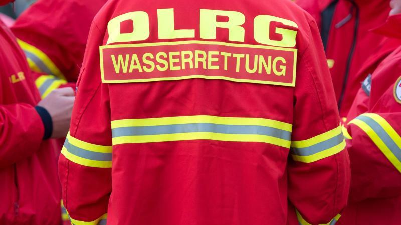 Die DLRGwarnt vor falschen Spendensammlern in Berlin. Foto: Arno Burgi/Archiv
