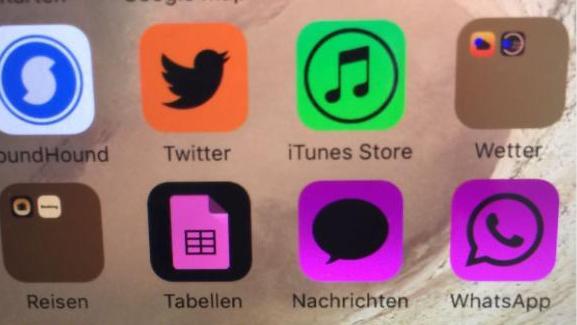 Mit einem Finger-Streich kommt Farbe ins Spiel - so kann der Homebildschirm dann aussehen.