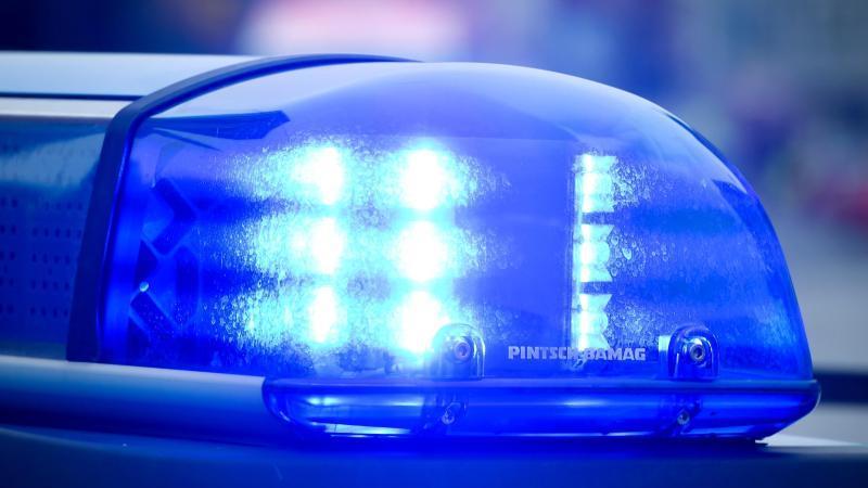 Das Hotel in Bielefeld wurde in der Nacht geräumt und von einem Sprengstoffspürhund durchsucht.