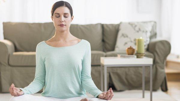 Meditation macht ruhiger, entspannter, gelassener und oft auch glücklicher