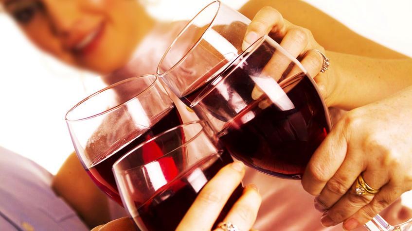 Ein gutes Glas Wein gehört an Weihnachten einfach dazu.