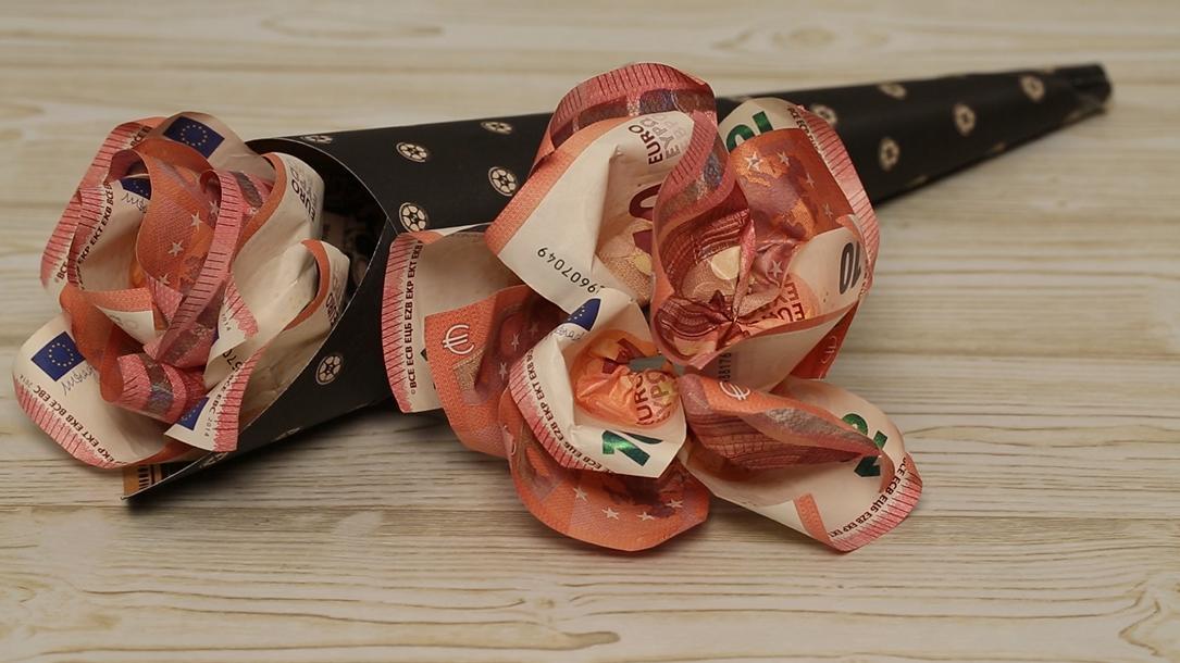 Geldgeschenke Zum Geburtstag Blumen In Der Tute