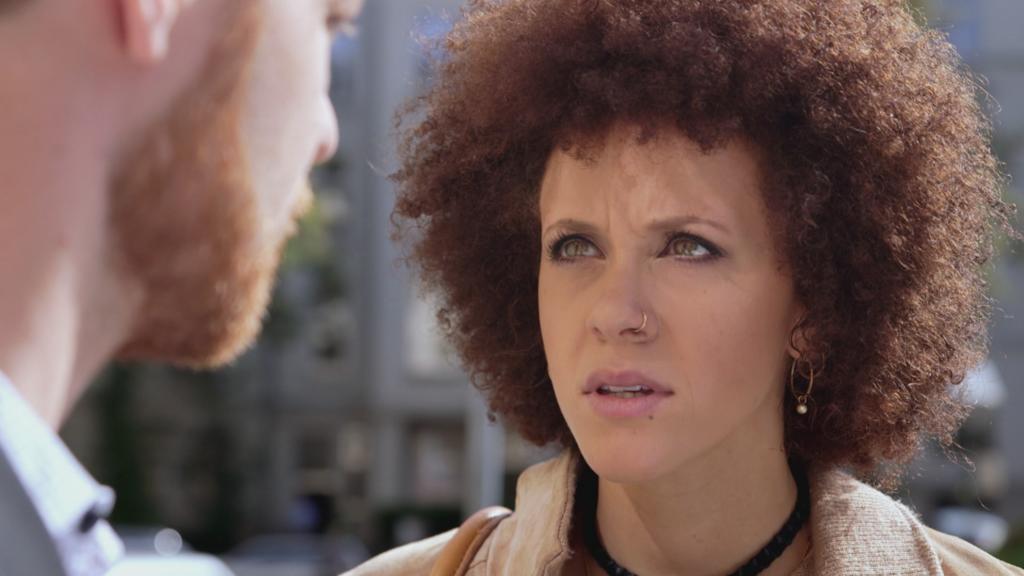 Unter uns: Micki ist sich nicht mehr sicher, ob sie sich wirklich von Tobias scheiden lassen will.