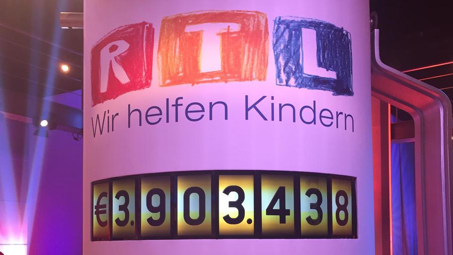 Fast Millionen Euro sind nach 12 Stunden beim RTL-Spendenmarathon zusammengekommen.