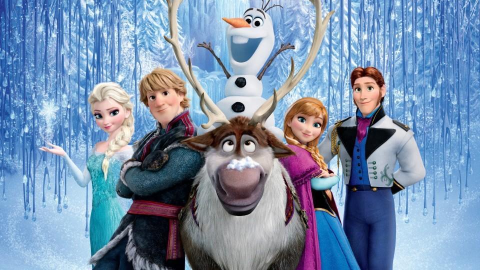 """In der Disney Verfilmung """"Die Eiskönigin - Völlig Unverfroren"""" geht es um die Schwestern Elsa und Anna und deren Freunde Kristoff, Rentier Sven, Schneemann Olaf und Hans."""