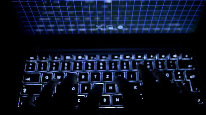 Mit der Angst vor dem Coronavirus wollen Online-Betrüger jetzt Kasse machen.