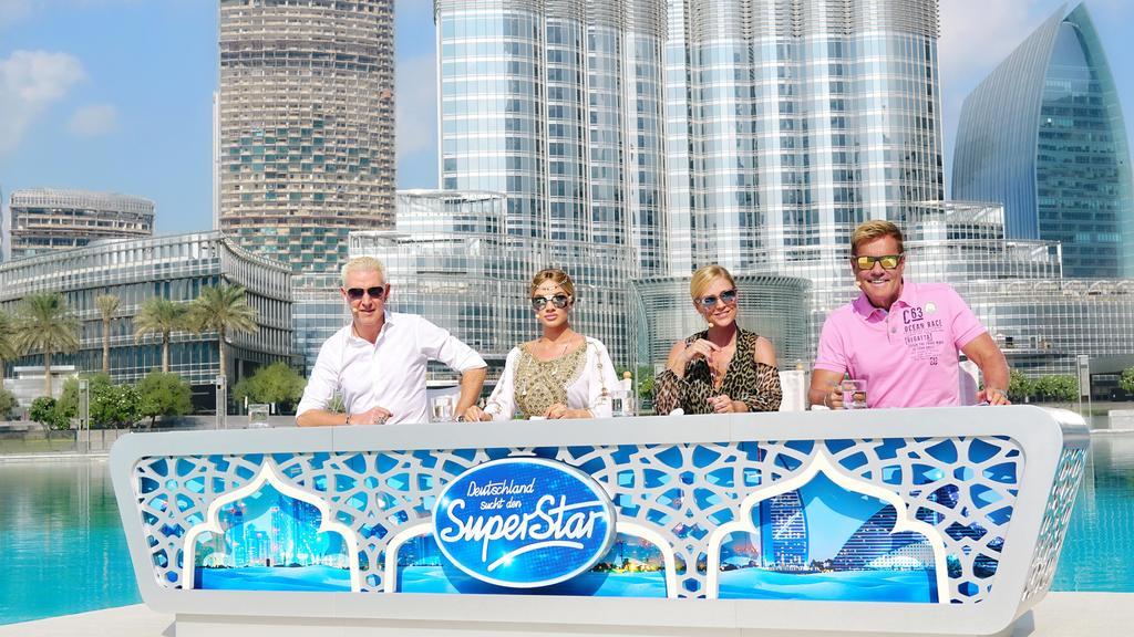 Die Jury von DSDS 2017, H.P. Baxxter, Shirin David, Michelle und Dieter Bohlen, suchen in Dubai beim härtesten DSDS-Recall aller Zeiten die Kandidaten für die großen Live-Mottoshows.