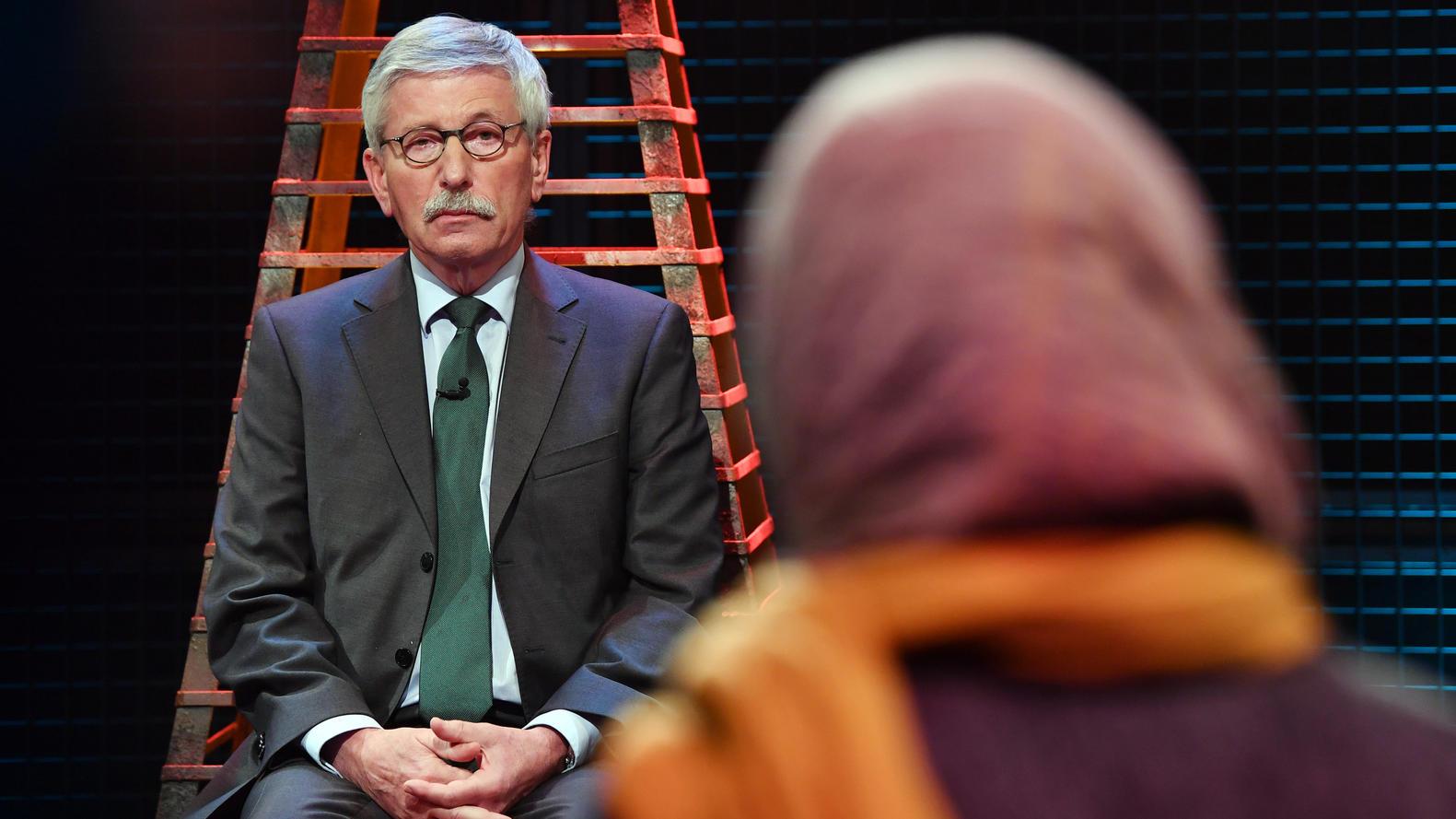 Der Heiße Stuhl Thilo Sarrazin Spricht Sich Für Die Konsequente