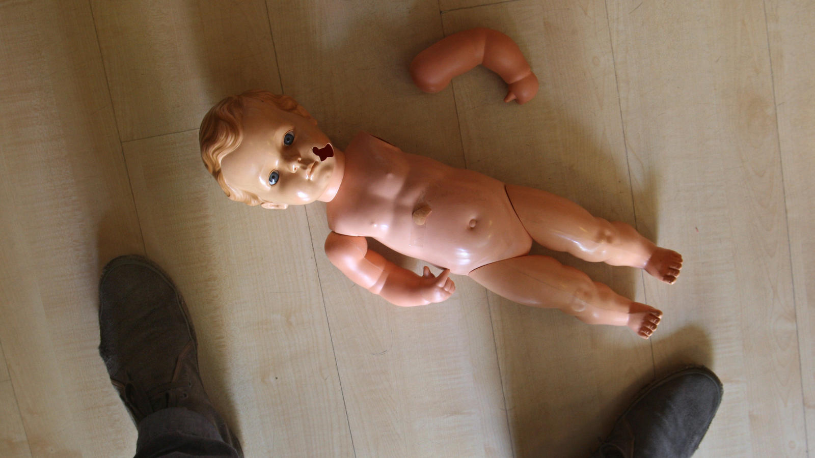 Die letzten Stunden im Leben des kleinen Tim (2) aus Querfurt (Sachsen-Anhalt) müssen die Hölle auf Erden gewesen sein (Symbolbild).