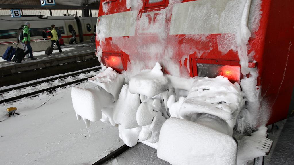 Ihre Rechte, wenn die Bahn wegen Schnee nicht fährt.