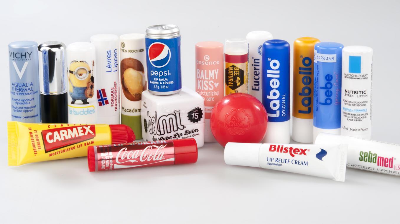Die Stiftung Warentest hat 35 Lippenpflege-Produkte ins Testlabor geschickt.