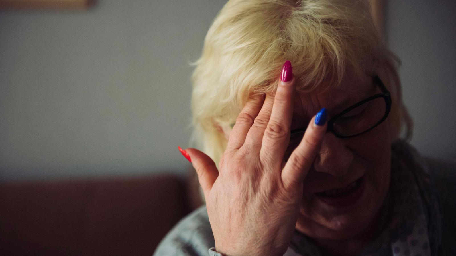 Razorante russische Frau eingesperrt