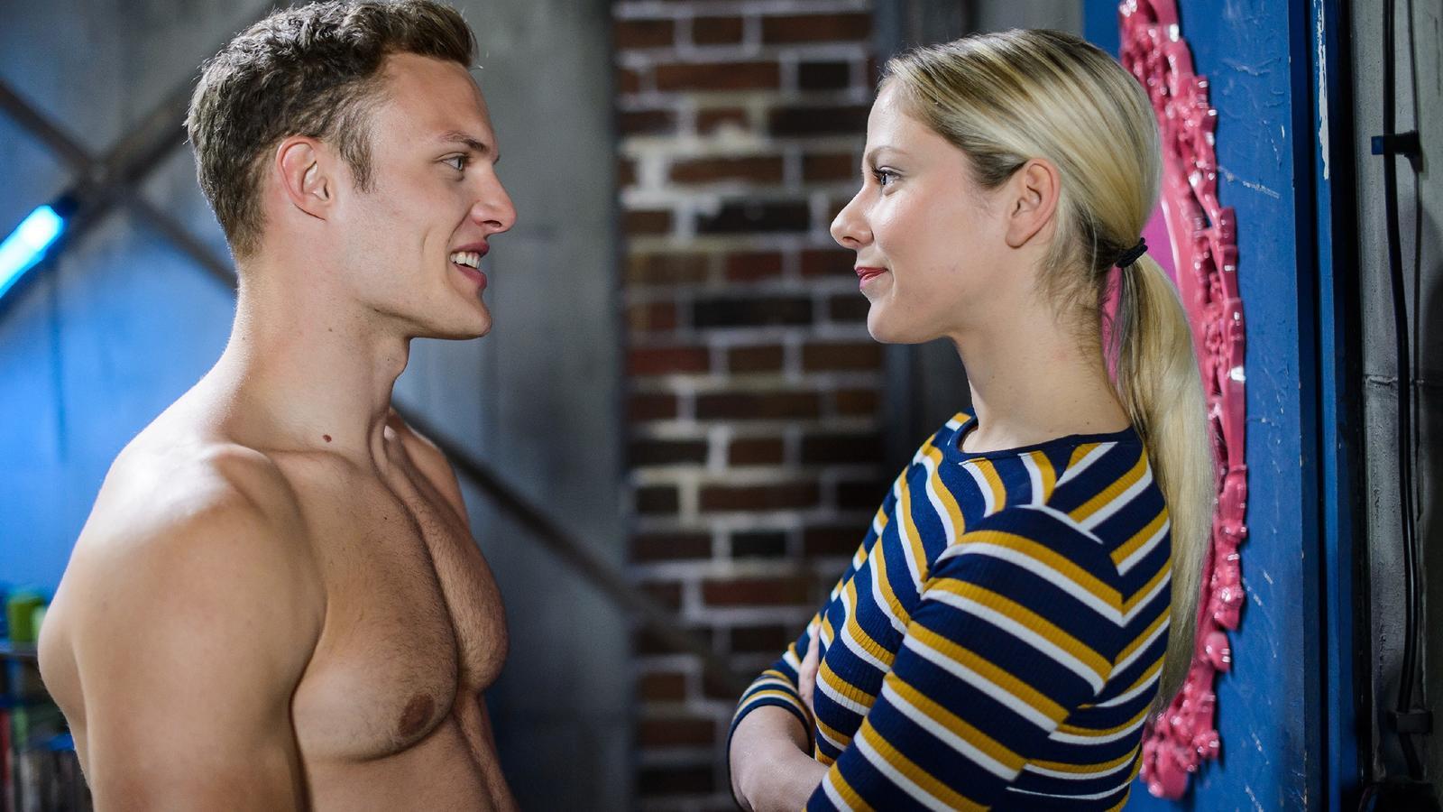 Marie Schmidt (Cheyenne Pahde) lernt den attraktiven Extremsportler Tim Hayer (Robert Maaser) kennen.