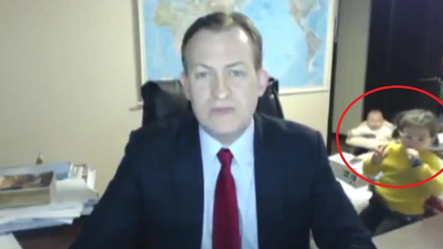 Robert Kelley will der britischen BBC eigentlich seine Einschätzung zur Lage in Südkorea vermitteln.