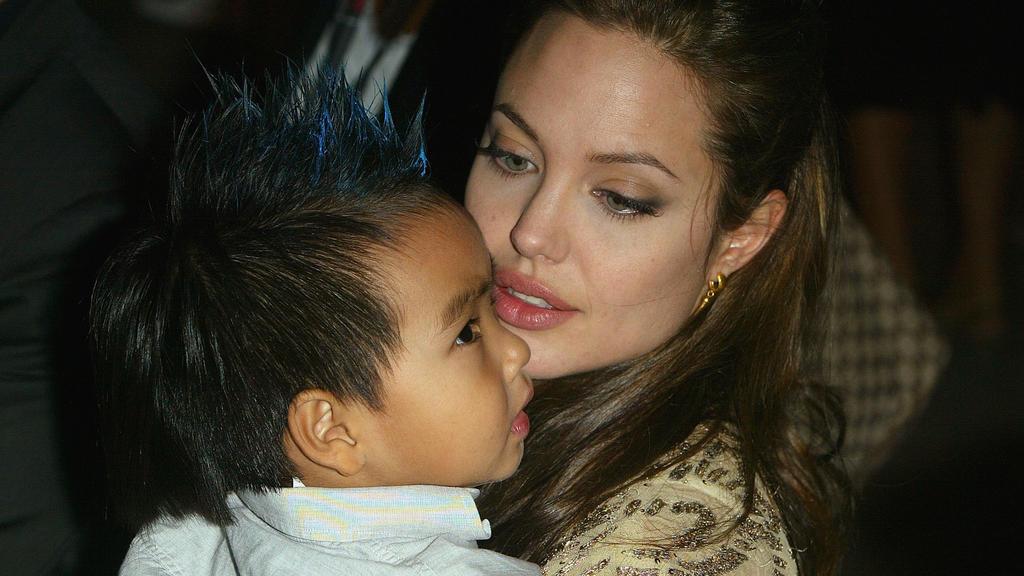 Angelina Jolie mit Söhnchen Maddox.