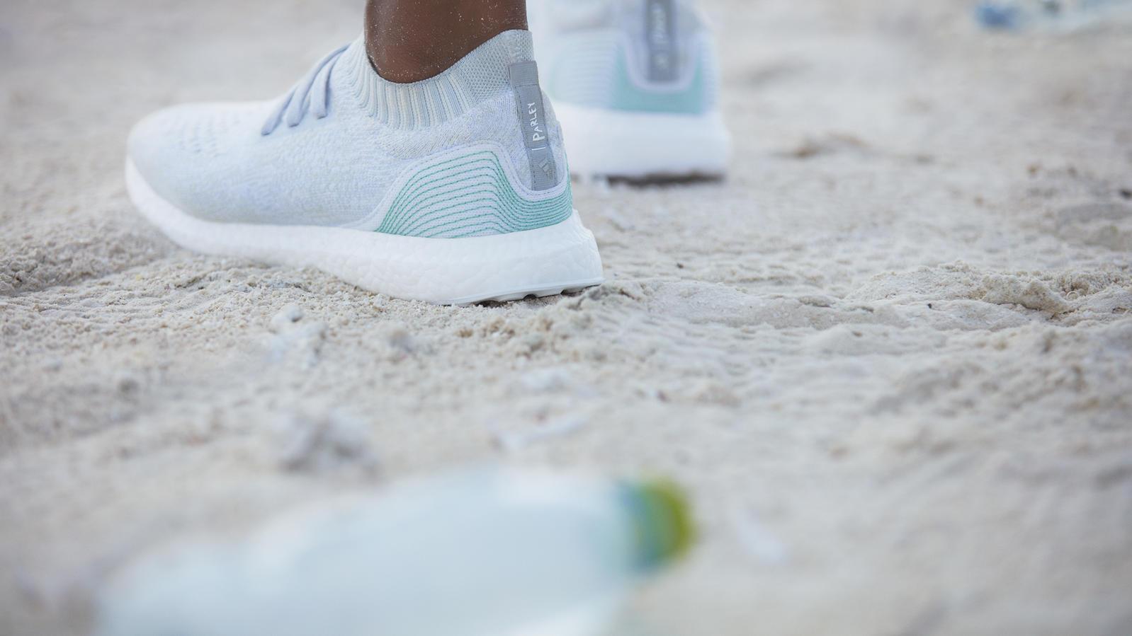 Für Aus Meereswarum Schuh Adidas Des Einen Grund Dem Auf Marketing IbfyvmY7g6