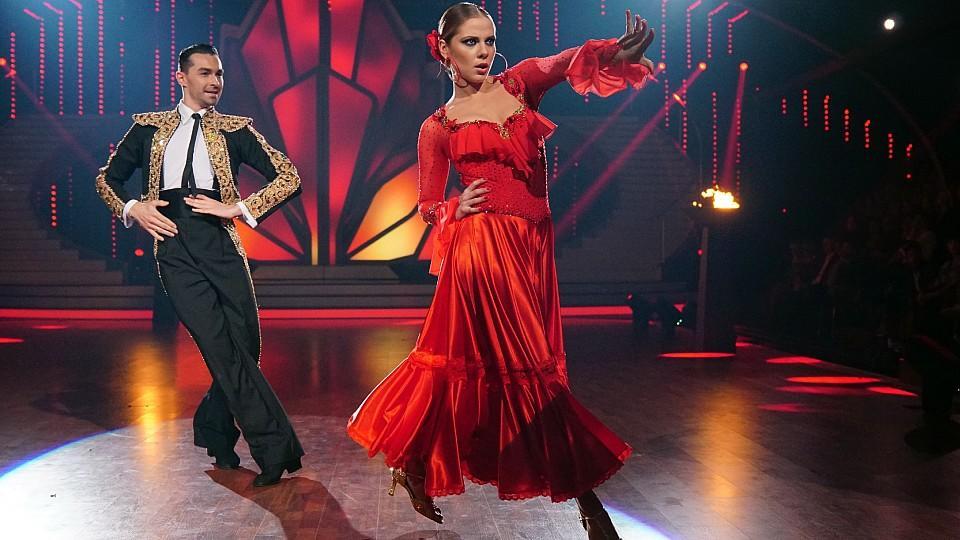 Cheyenne Pahde und Andrzej Cibis hauen Motsi Mabuse mit ihrer Performance um.