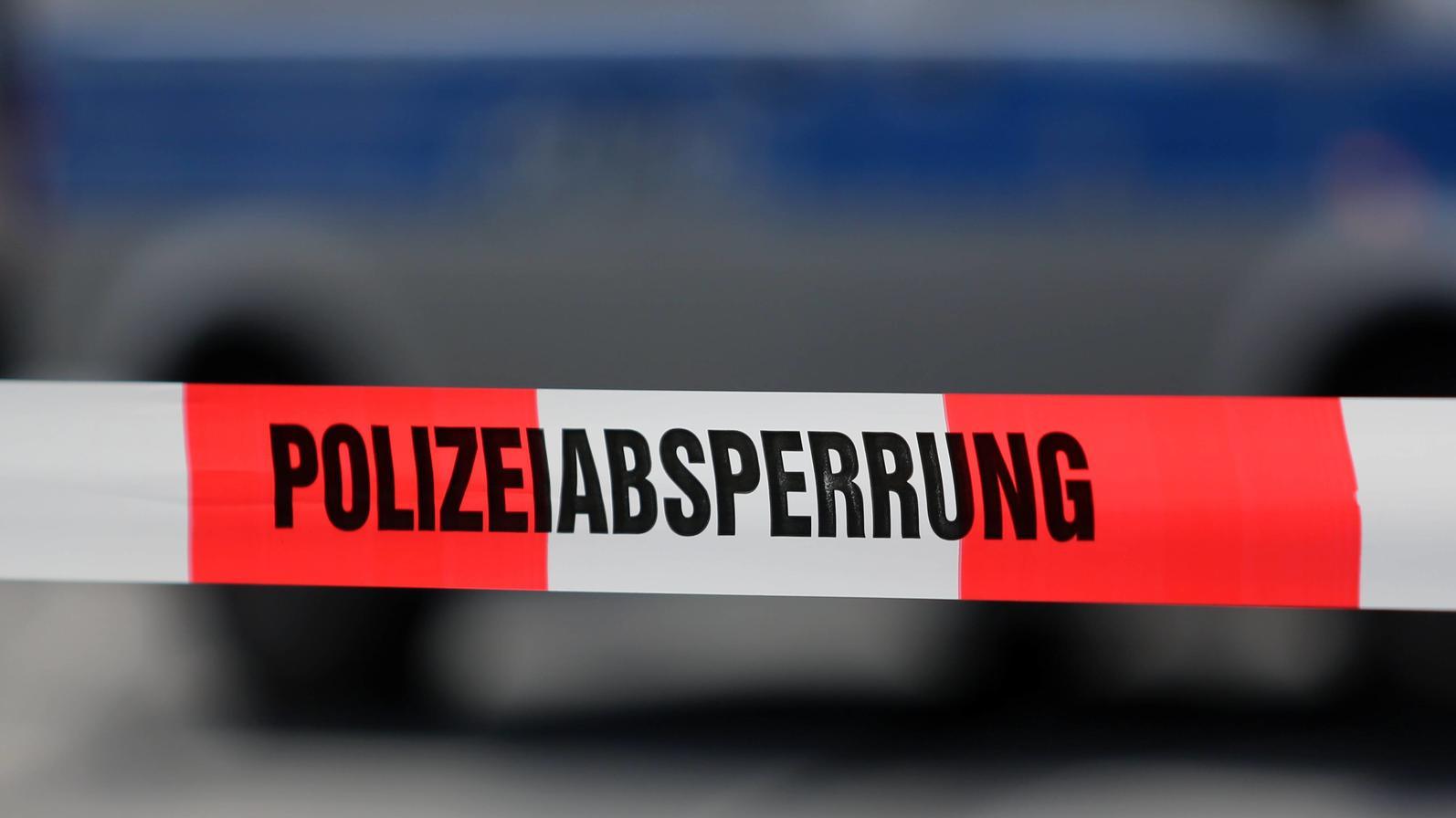 Bei einem Verkehrsunfall in Köln wurde ein Mann verletzt.