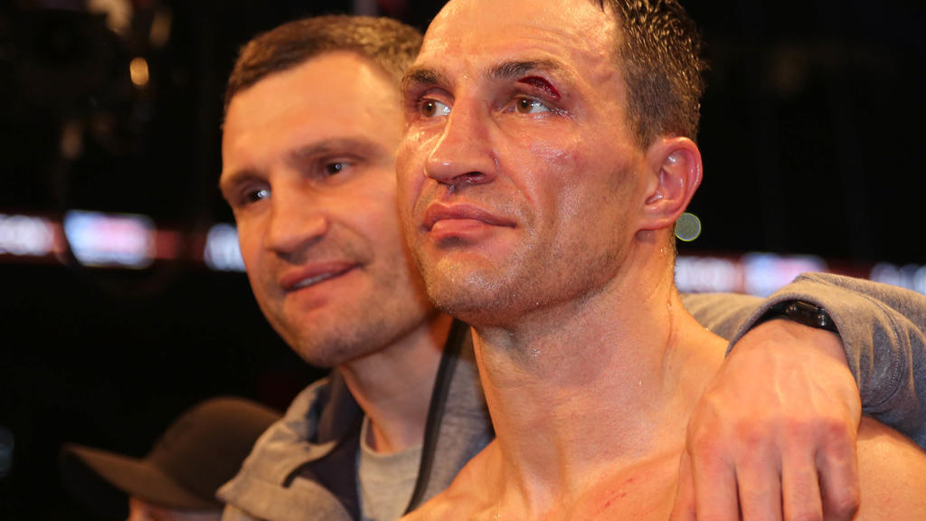 Vitali Klitschko wird seinem Bruder Wladimir bei den Gedanken, ob er in den Ring zurückzukehrt oder nicht zur Seite stehen.