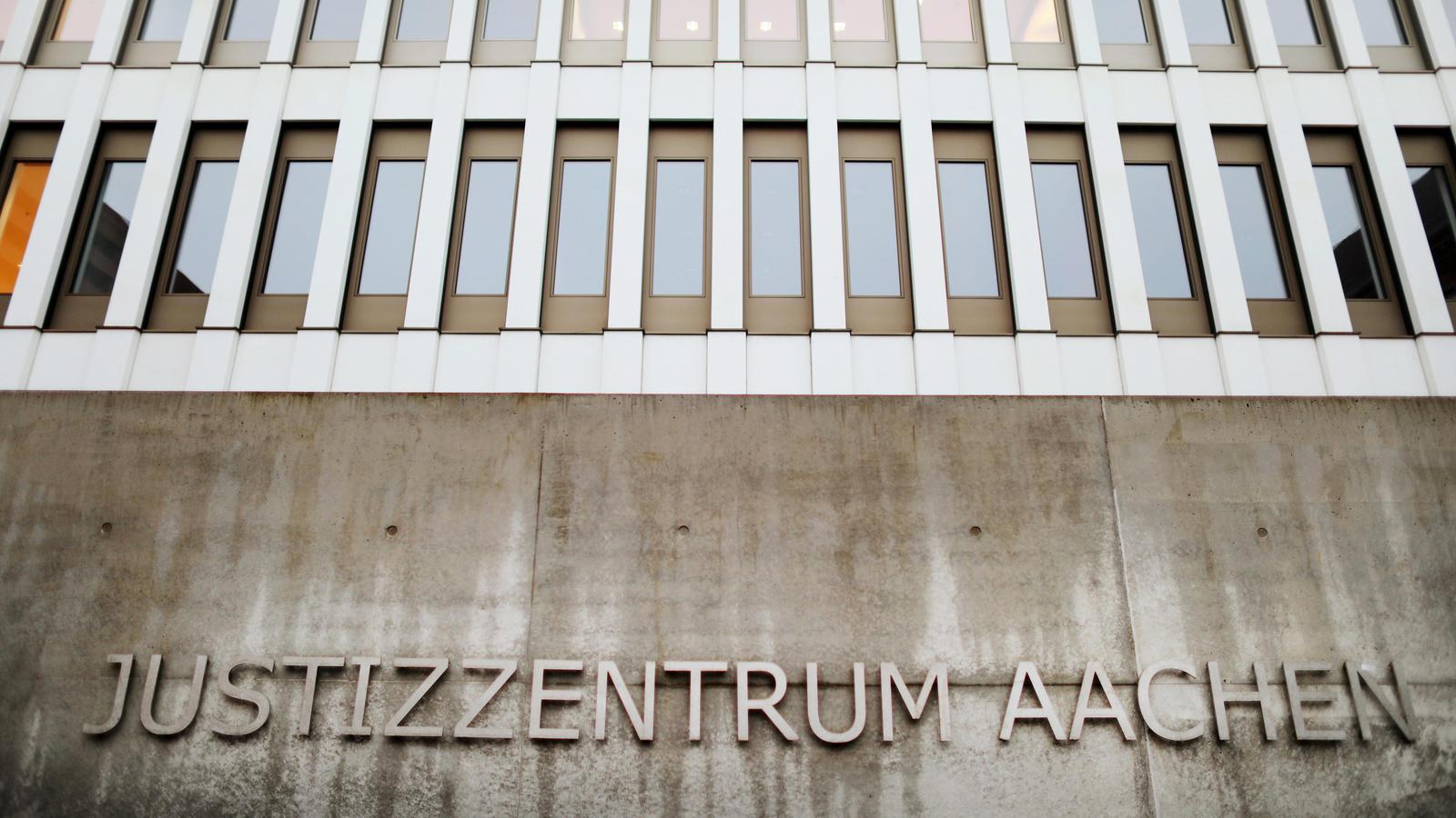 Nach dem gewaltsamen Tod eines Säuglings sitzt der Vater in U-Haft, wie die Aachener Staatsanwaltschaft mitteilte.