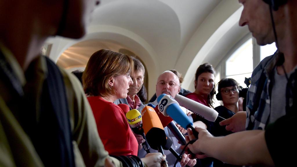 Gerichtssprecherin Annette Gabriel informiert am 31.05.2017 im Kammergericht in Berlin-Schöneberg über das Urteil im juristischen Streit um das virtuelle Erbe bei Facebook eines verstorbenen minderjährigen Mädchens. Die Eltern erhoffen sich durch das