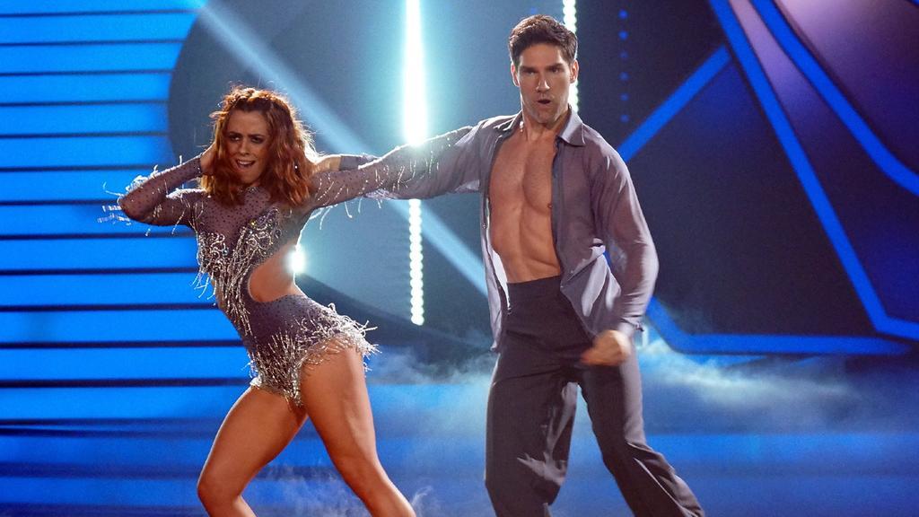 """Vanessa Mai und Christian Polanc geben bei ihrem Cha Cha Cha im Finale von """"Let's Dance"""" noch einmal richtig Vollgas."""