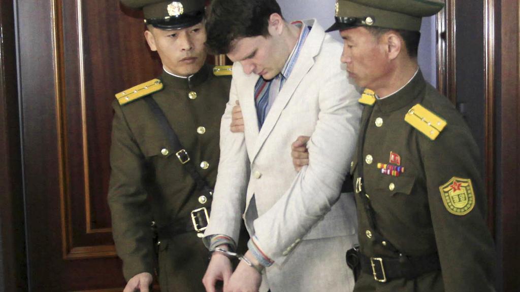 Otto Warmbier in sichtlich angegriffenem Zustand im März 2016 in einem Gericht in Pjöngjang (Nordkorea).