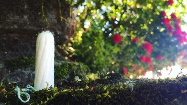 Bio-Tampon in der Natur