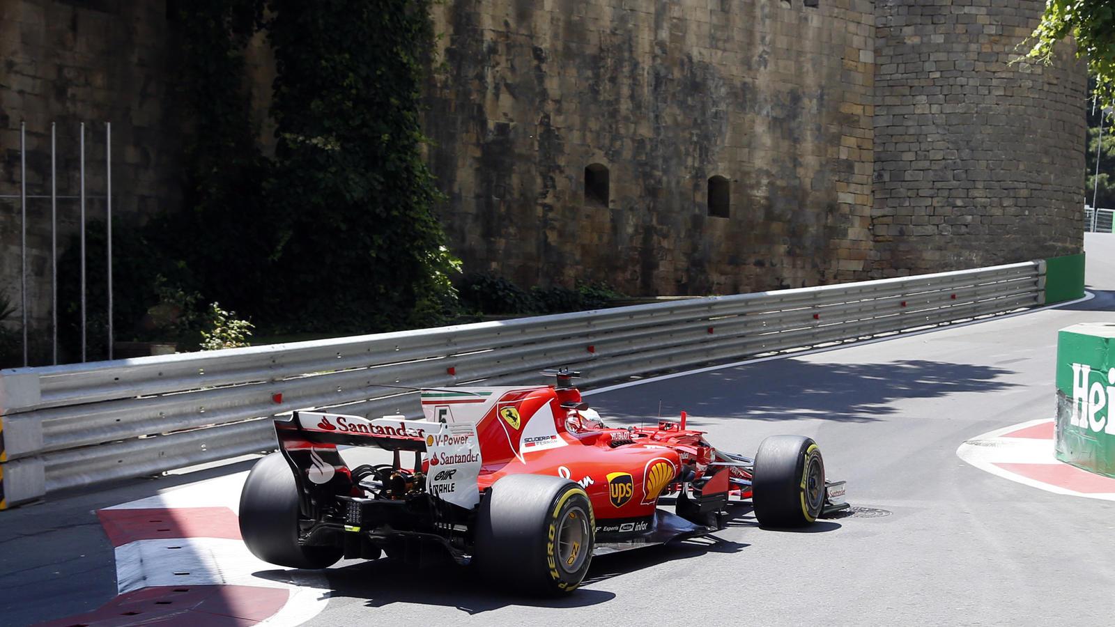 Auf dem Stadtkurs von Baku immer am Limit: Sebastian Vettel