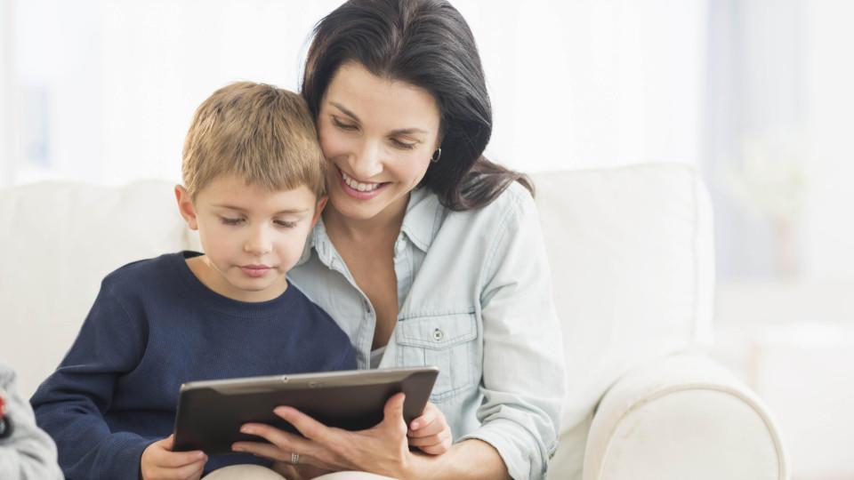 IPads üben eine besondere Faszination auf Kinder aus - Experten sehen einen zu hohen Medien-Konsum kritisch