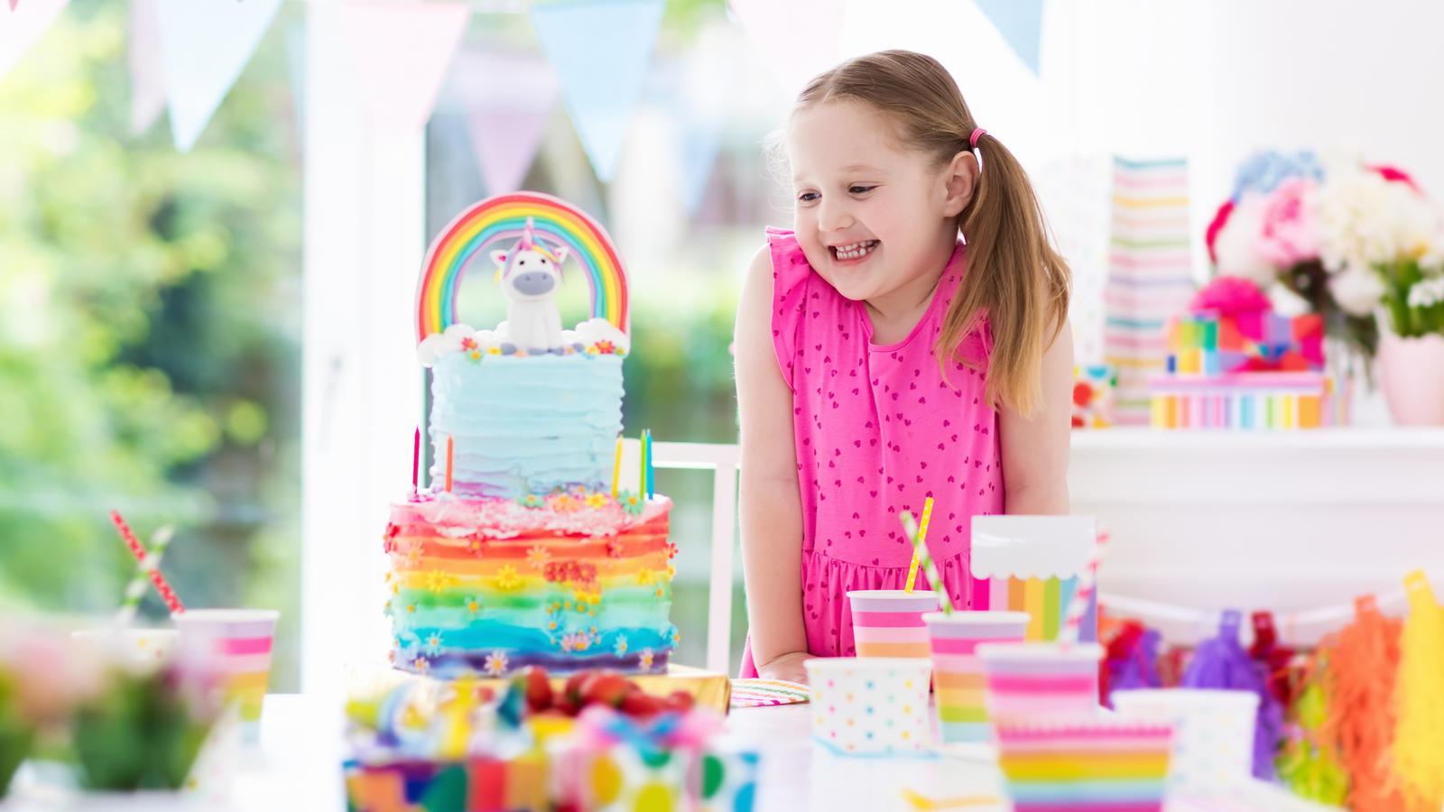 Einhorn Geburtstag So Basteln Sie Einladungskarten Und