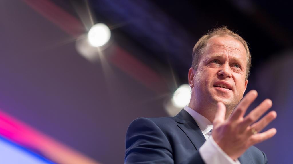Joachim Stamp, Fraktionsvorsitzender der nordrhein-westfälischen FDP, spricht am 24.06.2017 in Neuss (Nordrhein-Westfalen) auf dem 40. Landesparteitag der Nordrhein-Westfälischen CDU. Auf dem CDU-Landesparteitag kam es zu einer Abstimmung über einen