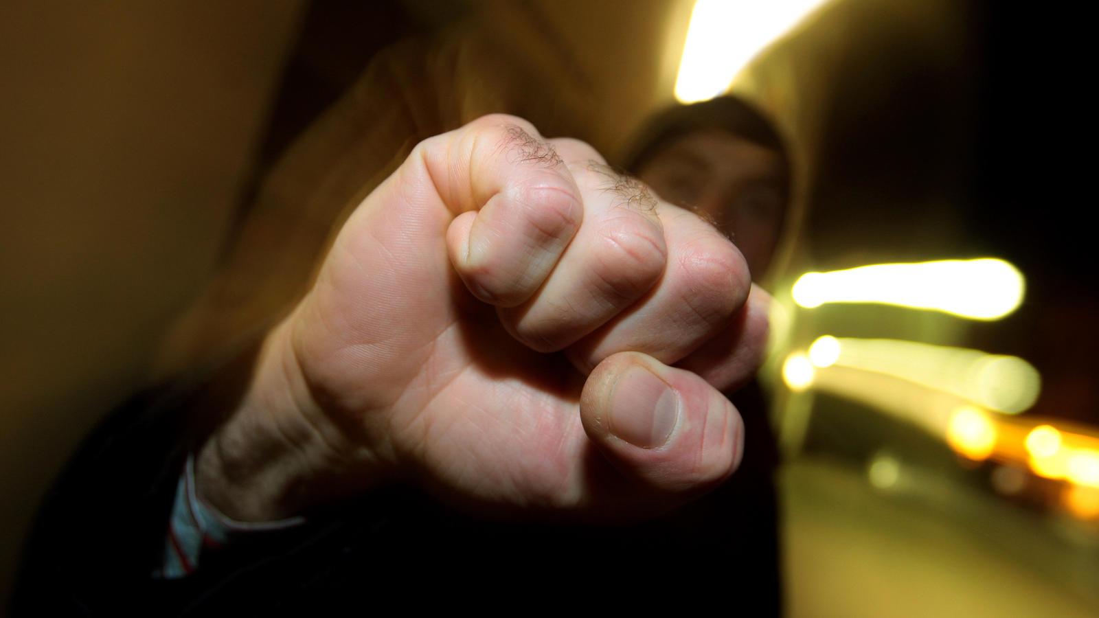 Symbolbild Jugendliche als Opfer und Täter