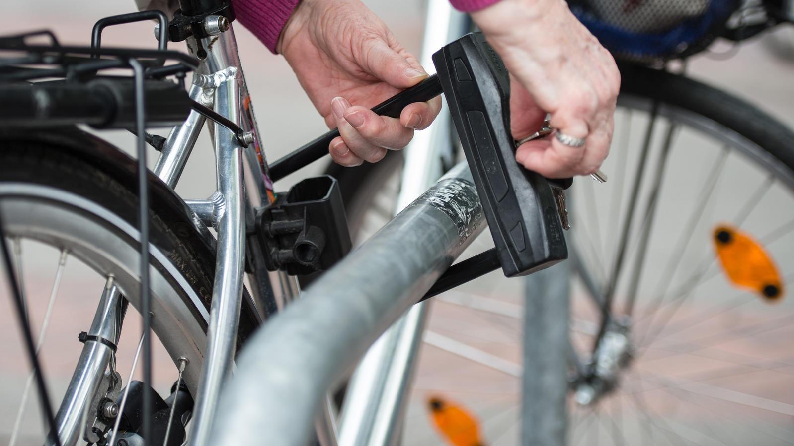 Deror Helmschloss Fahrradkabelschloss Tragbares Motorrad Fahrrad Helmkennwortschloss Anti-Diebstahl-Fahrradversorgung